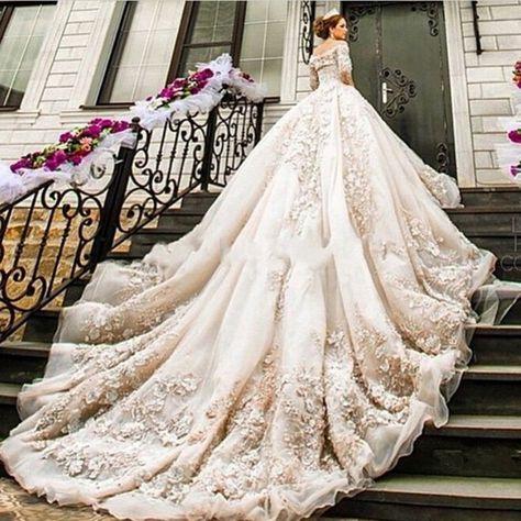 73332abcae79c7a1df9027200a1ed26a--luxury-wedding-dress-lace-wedding-dresses